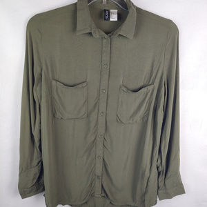 Divided by H&M Tops - 3/$25 Divided by H&M Long Sleeve Button Up Shirt
